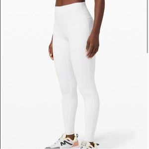 size 2 white lulu leggings 😍